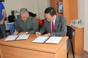 Dr. Samvel Danelyan and Mr. Watson Lind (Generaly Secretary of Taiwan Thalassemia Association)